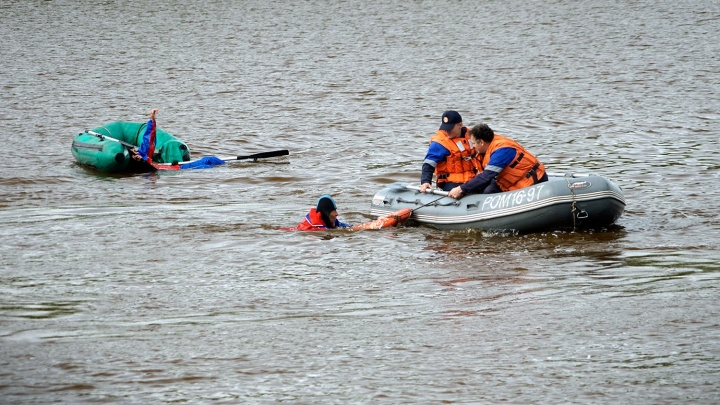 Спасатели вытащили мальчика из котлована на Юго-Западном жилмассиве