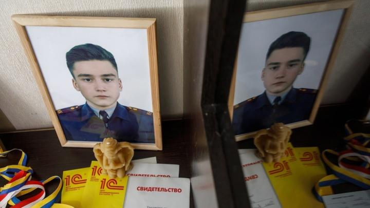 «Они лишь измазали моего сына»: отец погибшего школьника добивается новой встречи с Бастрыкиным