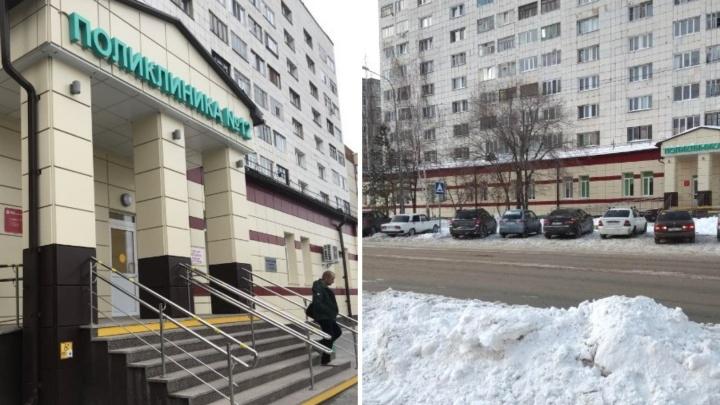 Тюменец, которого знакомый из-за ревности выкинул с балкона 10-го этажа, умер в больнице