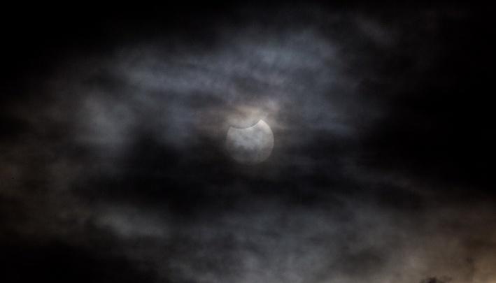 В небе над Новосибирском погаснет часть Солнца
