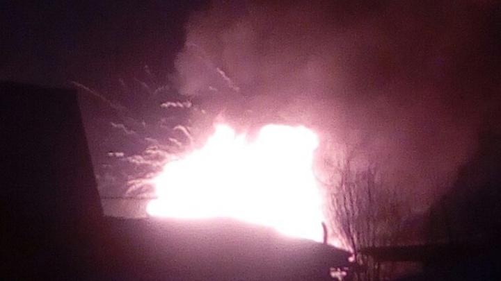 На Первомайке сгорели два частных дома: несколько кварталов остались без света