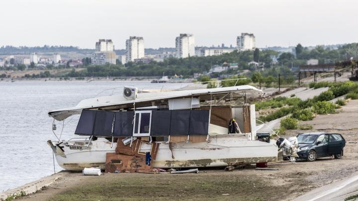 В Волгограде опубликовано видео столкновения затонувшего катамарана и баржи