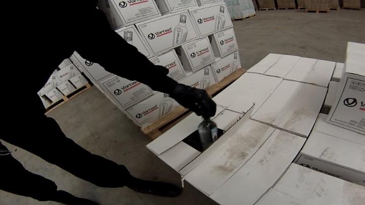 Спиртного на 45 миллионов: под Берёзовским полицейские накрыли цех с палёным алкоголем