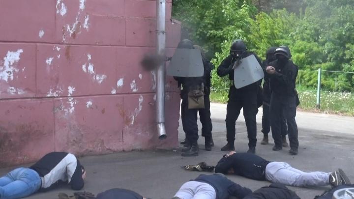 Учились ловить террористов и освобождать заложников: в Рыбинске прошли масштабные учения силовиков