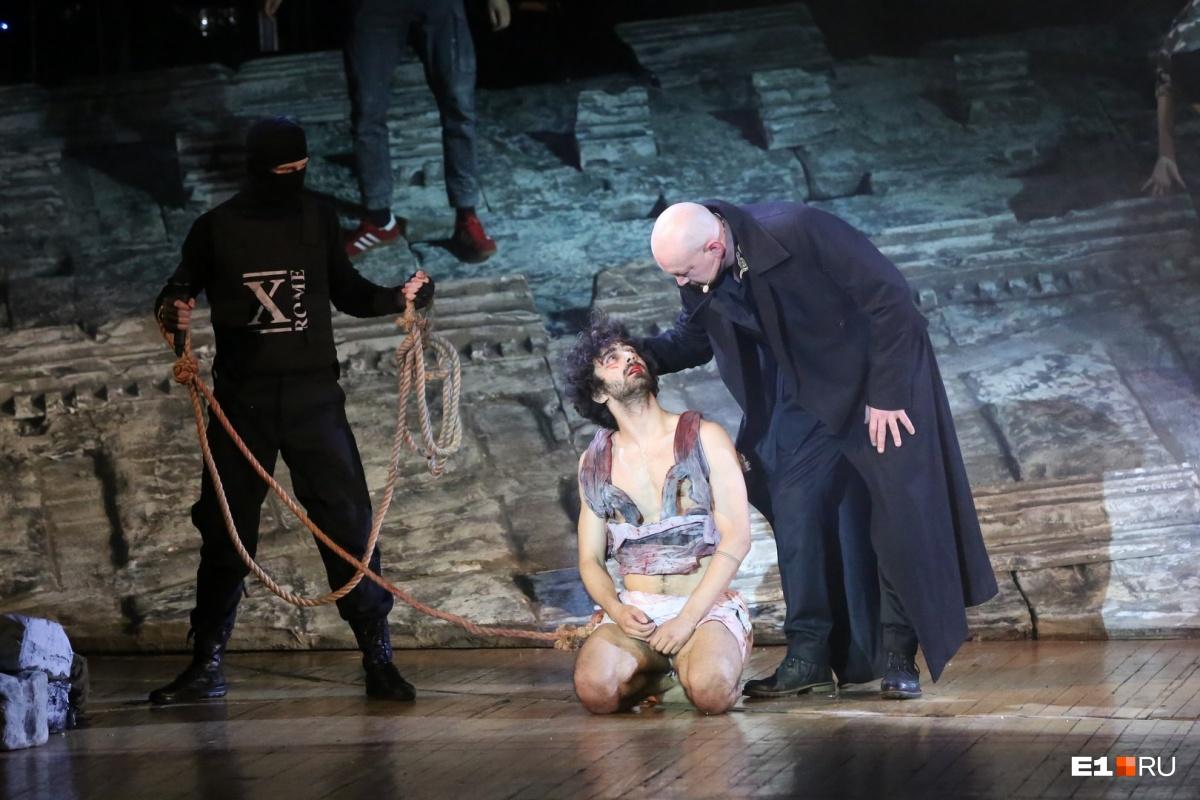 Иисус Христос — суперзвезда, но это не про религию: в Екатеринбурге показали скандальную рок-оперу