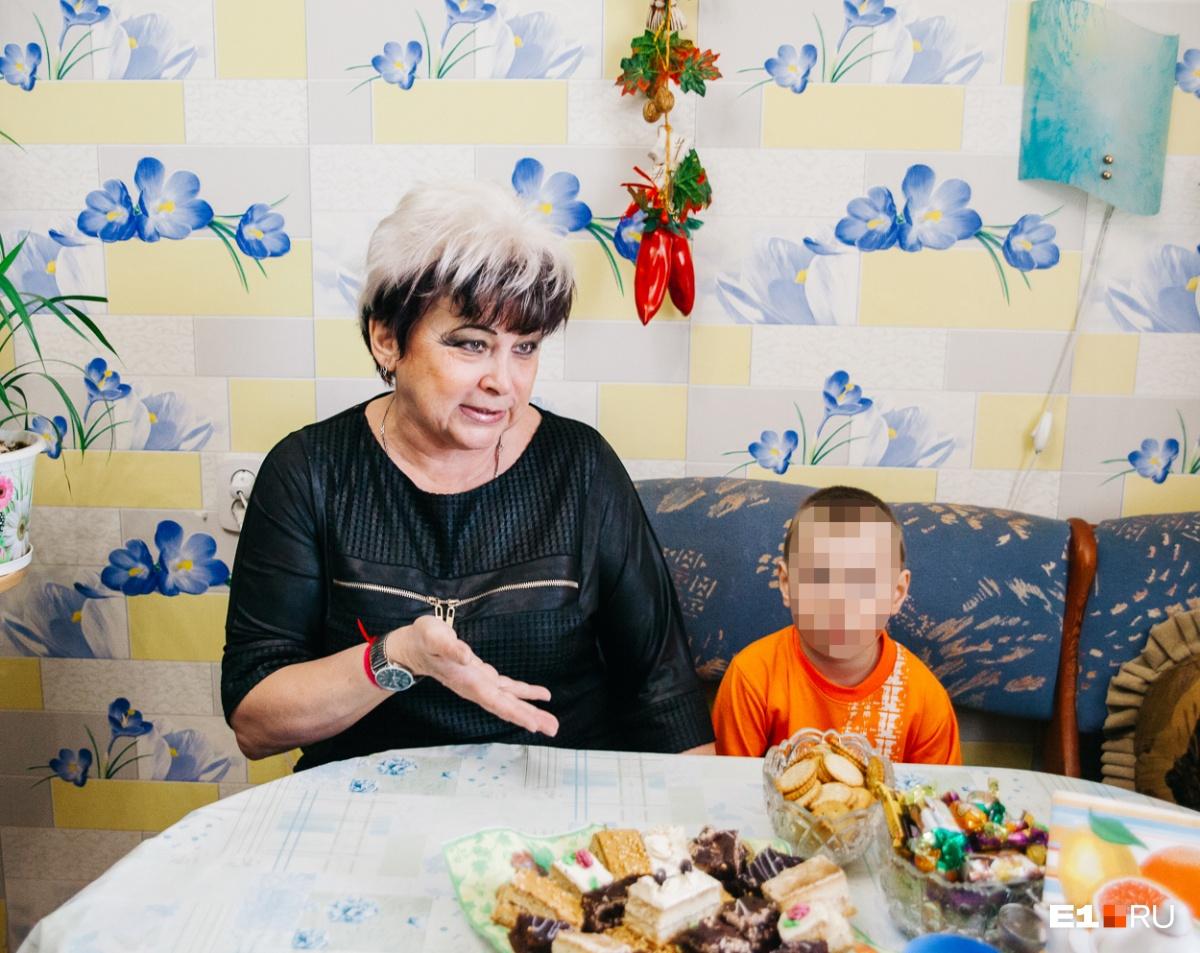 Илюша — не кровный внук Галины Викторовны, но она говорит, что он ей роднее родных