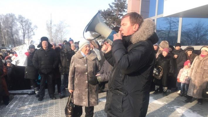Уволившийся после гибели детей в Колывани чиновник устроился в мэрию Новосибирска