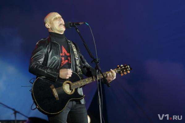 Концерт Дениса Майданова отменили из-за речной аварии