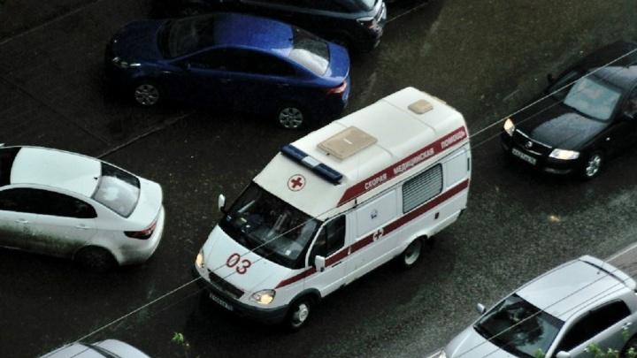 В Екатеринбурге разыскивают тех, кто видел, как водитель Lada сбил женщину на ЕКАД