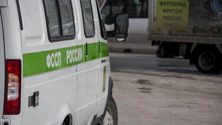 Засада на дороге: автоинспекторы и приставы с секретным прибором арестовали «Газель»