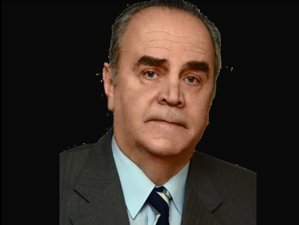 При Эдуарде Николаевеоткрылось первое в Свердловске отделение реанимации и анестезиологии