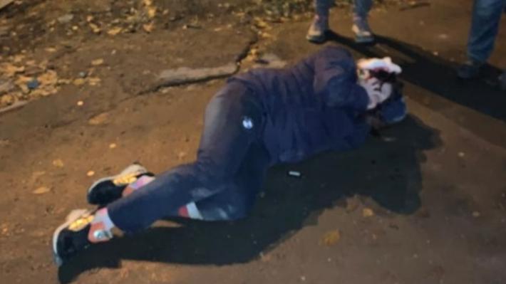 Дорожное видео недели: неадекват на Ильича, самоуверенный таксист и забывчивые дорожники