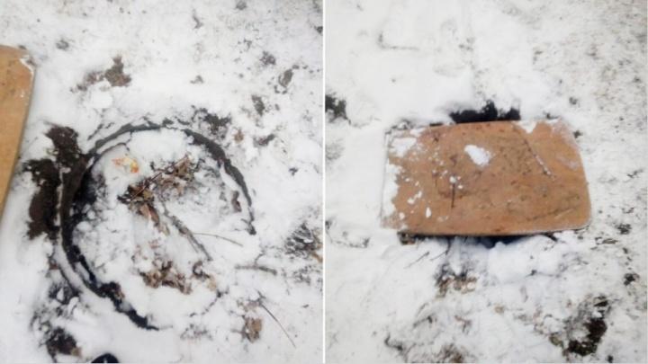 «Накануне люк был закрыт»: «Ростелеком» прокомментировал случай с упавшей в колодец девушкой