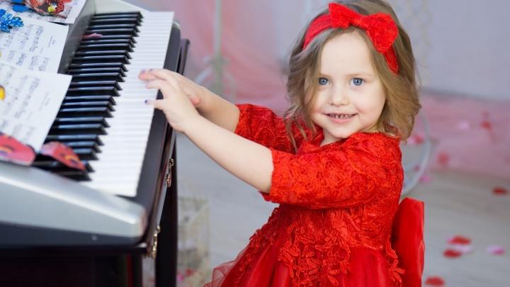4-летняя малышка из Красноярска претендует на звание «Юная мисс России»