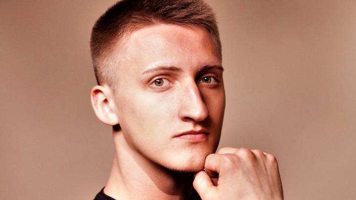 Суд изменил приговор московскому актеру Павлу Устинову, за которого вступились звезды