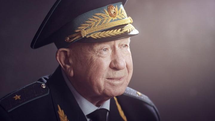 Умер космонавт Алексей Леонов. Вспоминаем, как он связан с Пермью