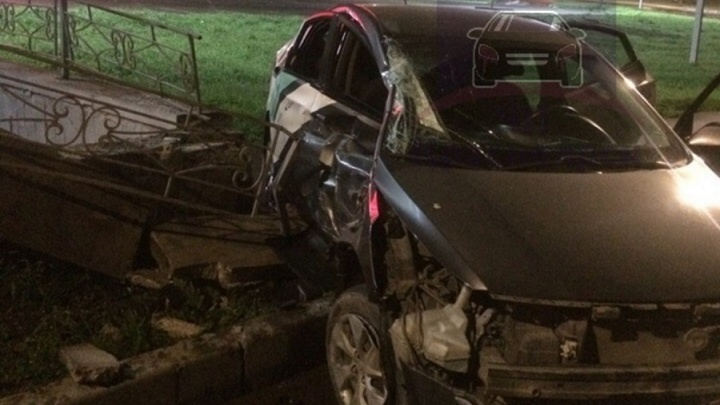 Пьяный студент ночью разбил машину из поминутного проката