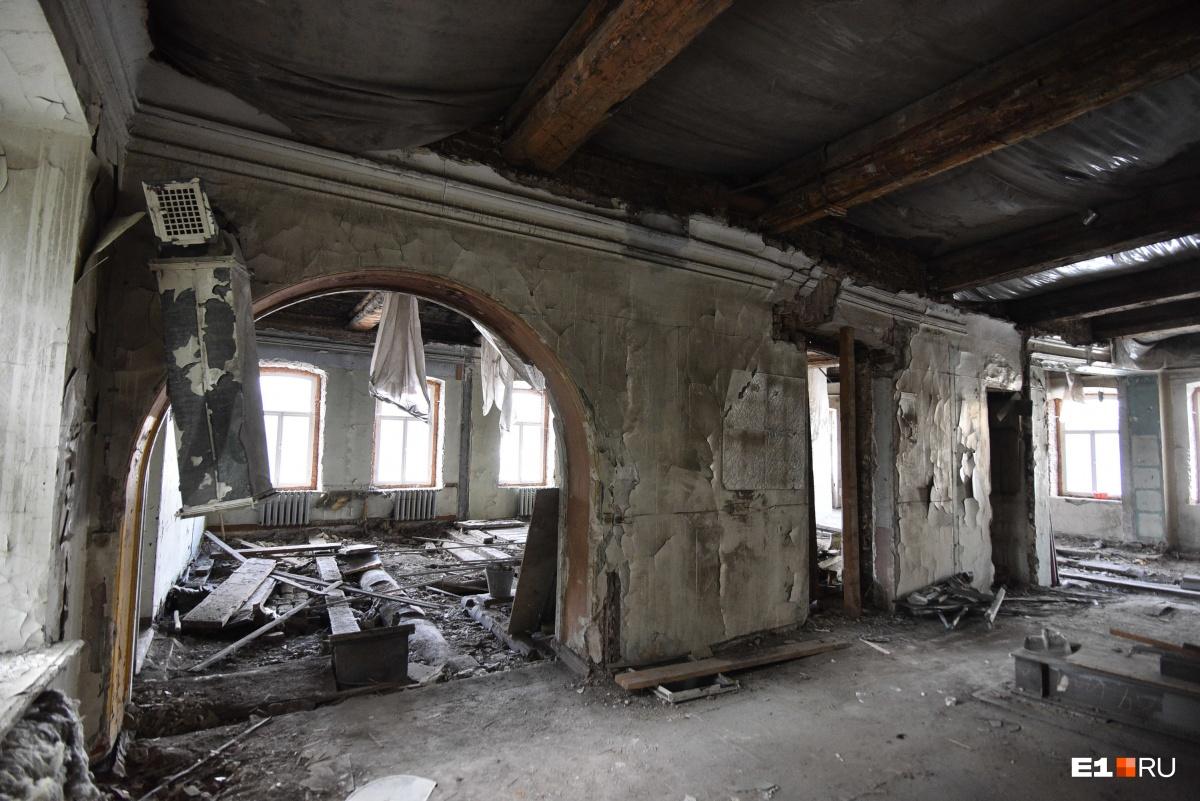 Помещения на втором этаже выглядят почти так же плохо, как и в Зелёной роще