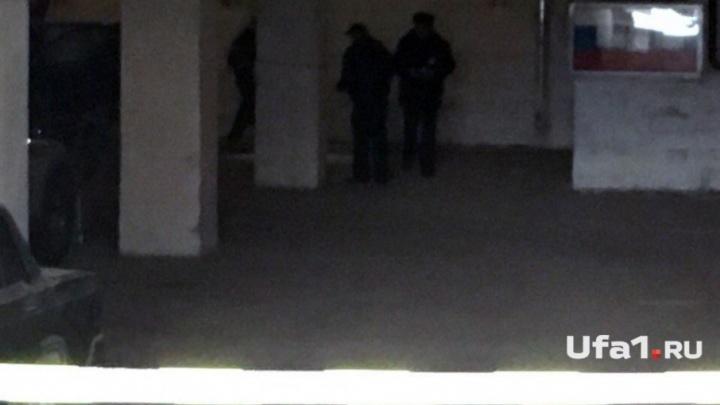 Расстрелянного на парковке в Уфе бизнесмена первой обнаружила жена