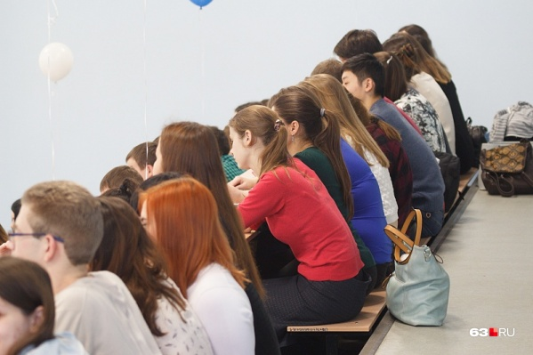 Следователи выясняют, скольким студентам преподаватель предлагал сдать экзамены за деньги