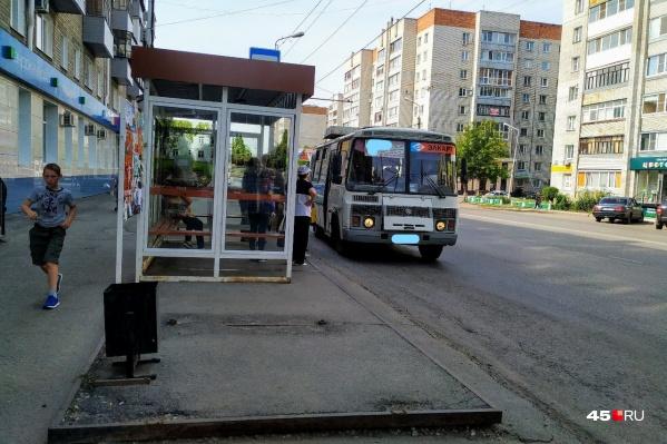 Без наличных денег в автобус лучше не садиться. И желательно при себе иметь мелочь.