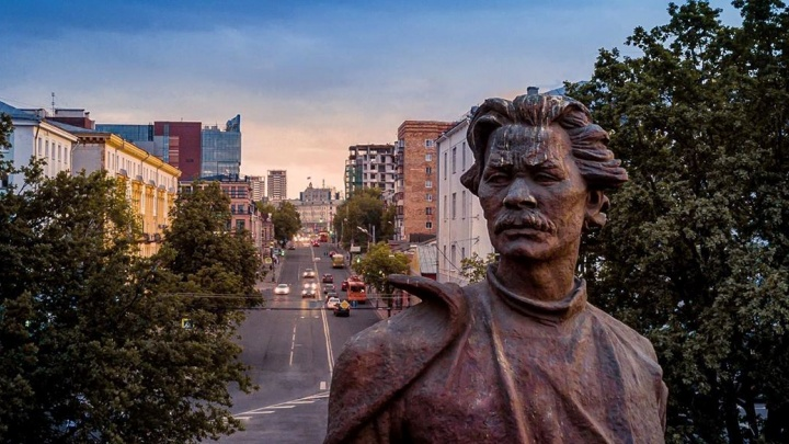 Фото дня. Новый ракурс памятника Горькому