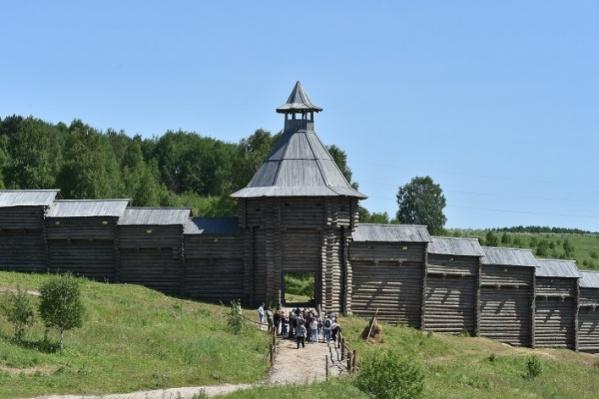 Эта крепость не историческая, а всего лишь декорация на съемочной площадке фильма