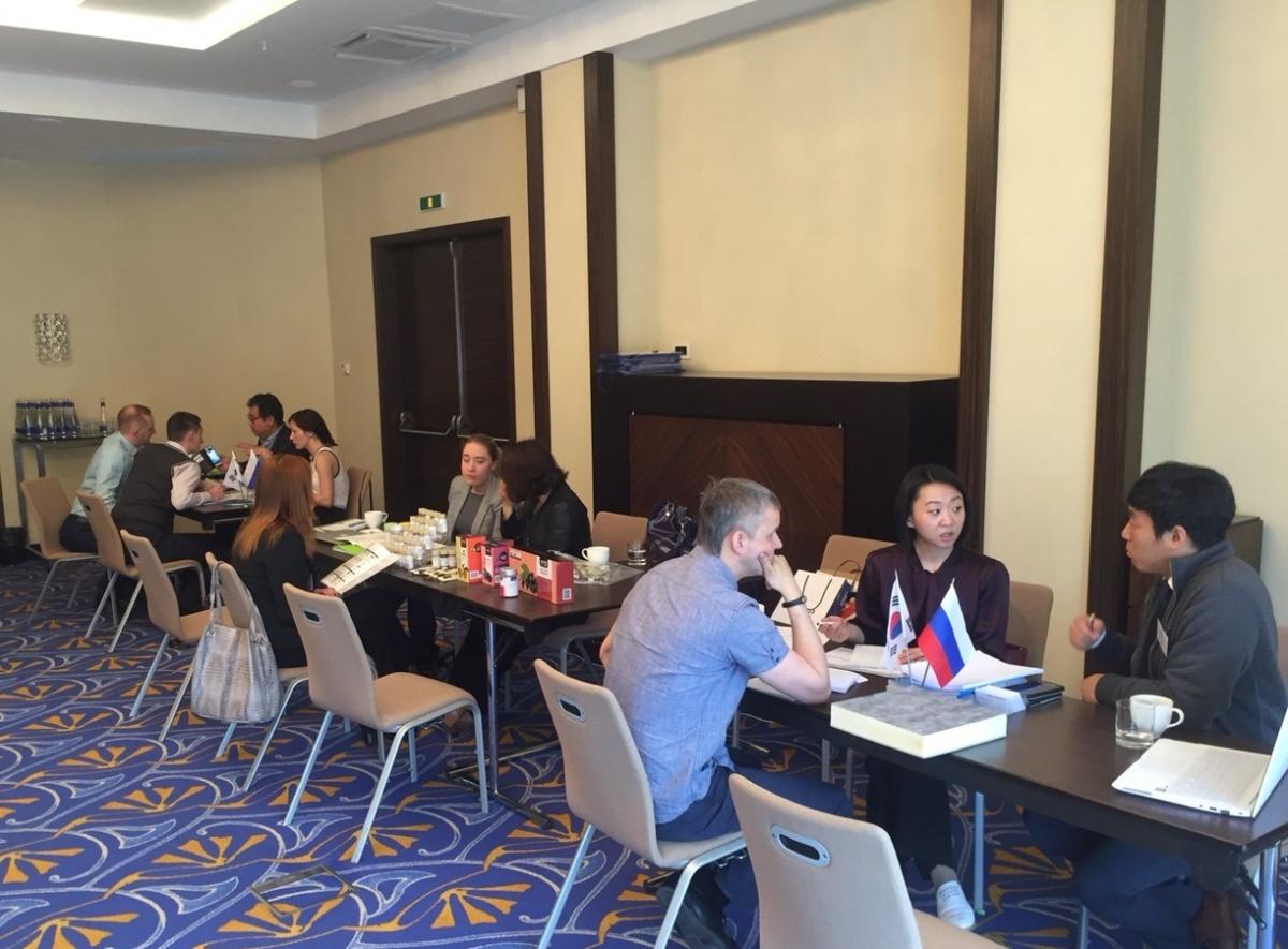 Южнокорейских бизнесменов отправили в Сибирь на переговоры
