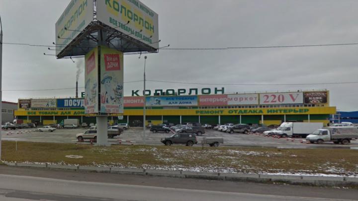 Кредиторы устали ждать: 15 сибиряков устроили перестрелку на парковке «Колорлона»