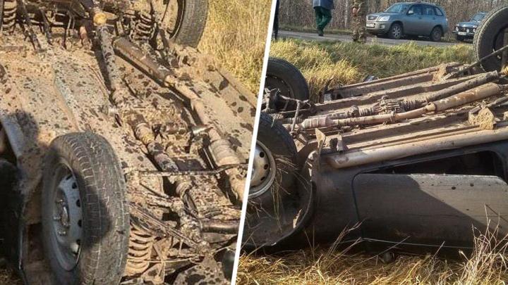В Ростовской области в ДТП перевернулась машина. Водитель погиб