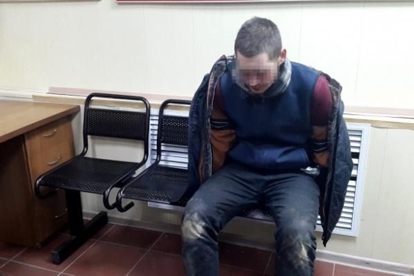 Подозреваемый в нападении на полицейского оказал сопротивление при задержании