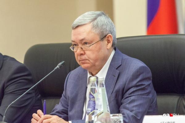 Александр Нефёдов возглавляет правительство области с 2012 года