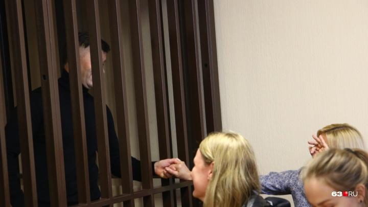 Жена Дмитрия Сазонова попросила снять арест с гаража и земельных участков