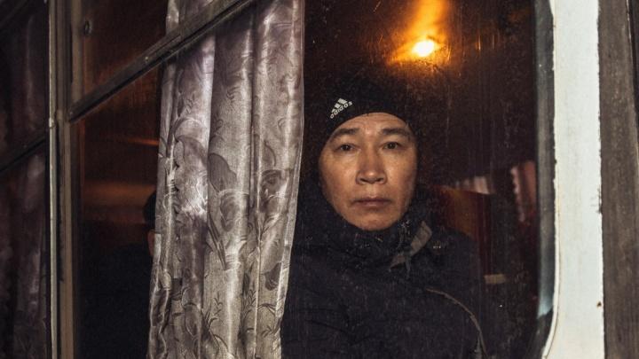 Купили документы в столице: в Самарской области полицейские сняли с поезда нелегальных мигрантов