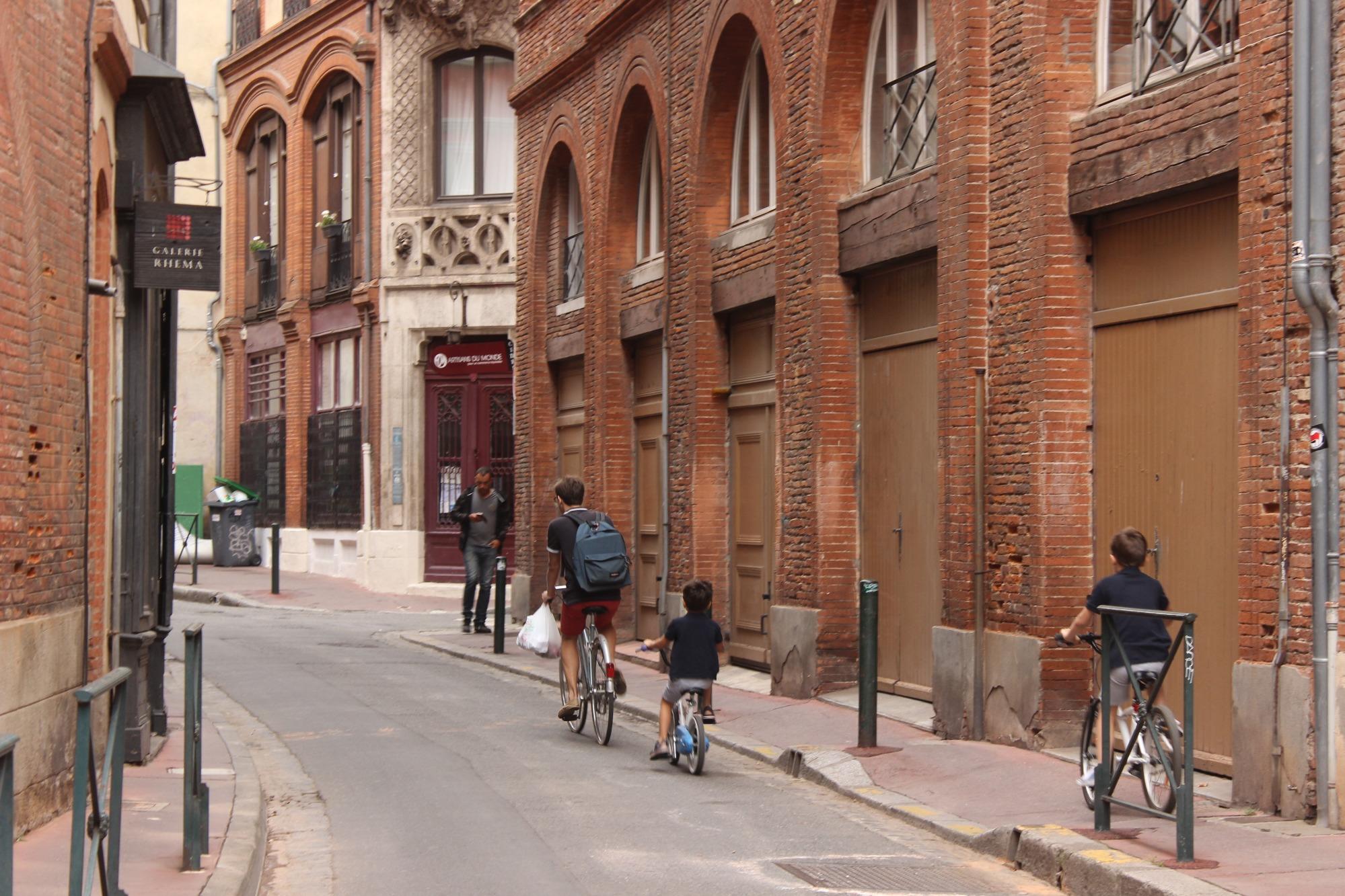 На улице Тулузы