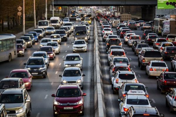 39,74% опрошенных новосибирцев признались, что недовольны качеством покрытия на городских дорогах