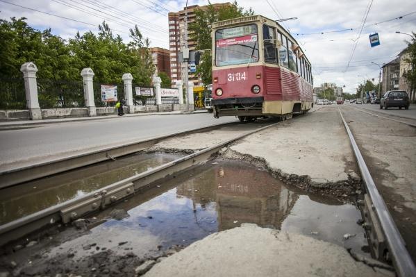 Городской транспорт, считает автор НГС, вызывает ощущение, что ты бездомный
