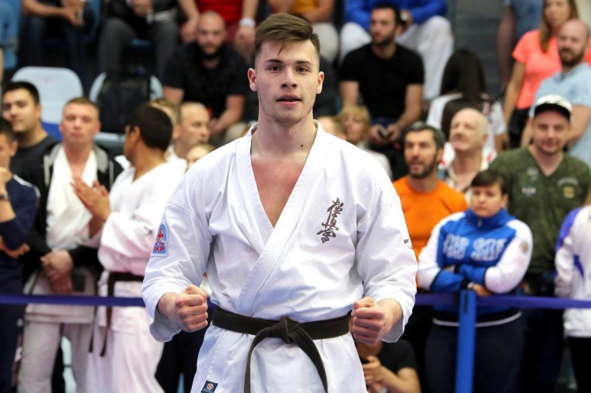 В финале одолел двукратного чемпиона мира: уральский каратист стал чемпионом России