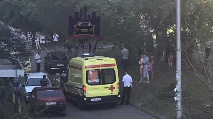 Молодой водитель сбил 6-летнюю девочку во дворе: очевидцы говорят о высокой скорости
