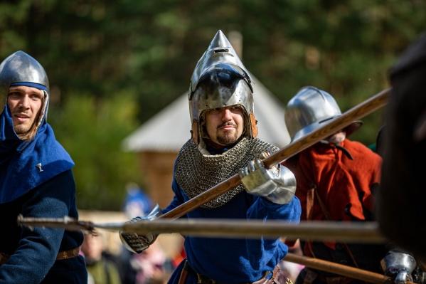 Средневековый фестиваль прошёл в Заельцовском парке