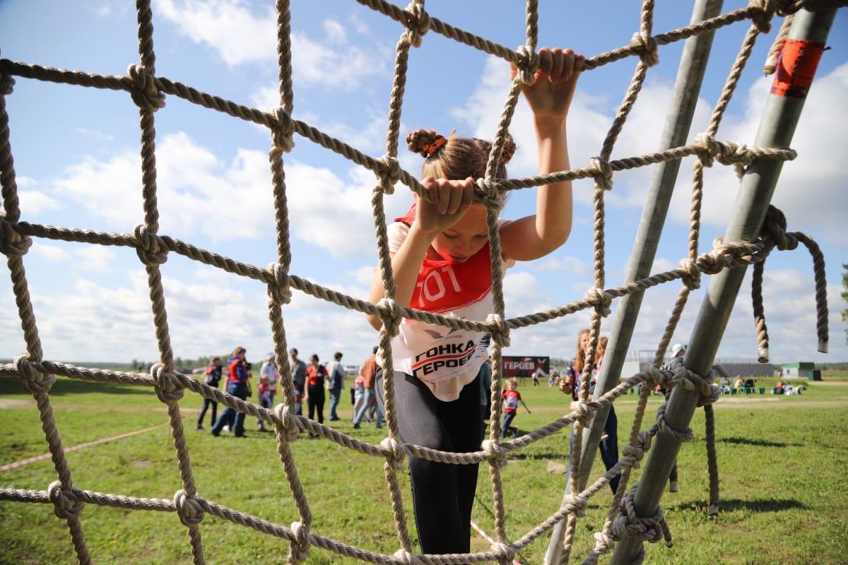 В забеге участвовали и дети