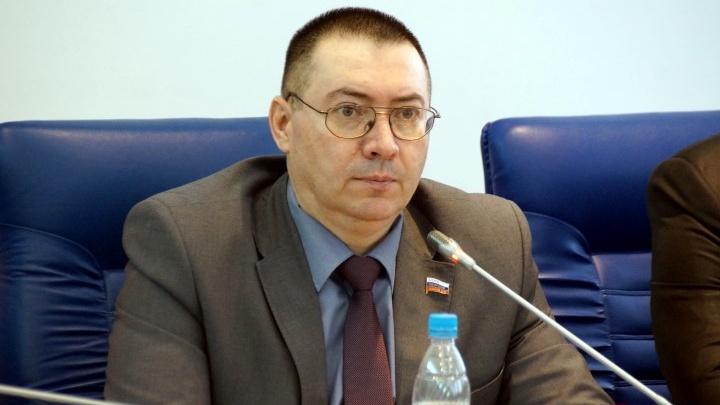 «Я беспартийный и независимый»: исключённый из ЛДПР депутат Юрий Чекалин пошёл на праймериз «ЕдРа»