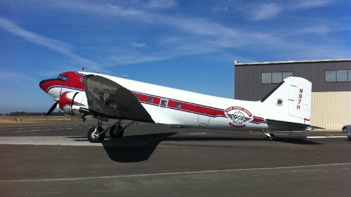На авиашоу в Новосибирск прилетит старинный американский самолёт