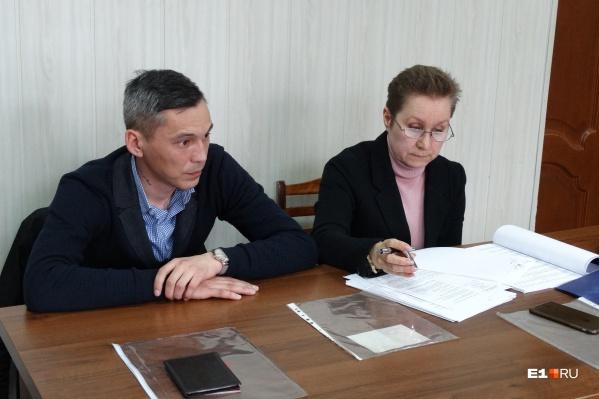 Сержант Мурат Амержанов и его адвокат