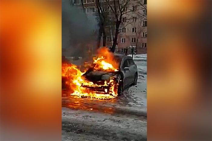 Автомобиль сгорел за считанные минуты