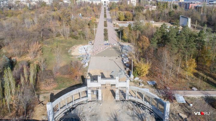 «Волгоградцы уже нашли проходы и лазейки»: как обновленный парк Гагарина выглядит с высоты