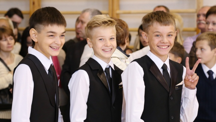 Телеведущие, актёры и пилоты: смотрите, кто из известных екатеринбуржцев придёт в вашу школу 1 сентября