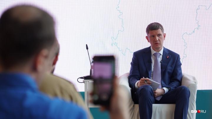 Ответил про «Ласточку» и зоопарк, «прошёлся» по Самойлову. Расшифровка пресс-конференции губернатора
