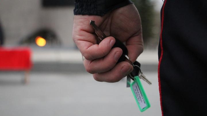 «Хотели покататься»: два северодвинских подростка отправятся под суд за угон автомобилей
