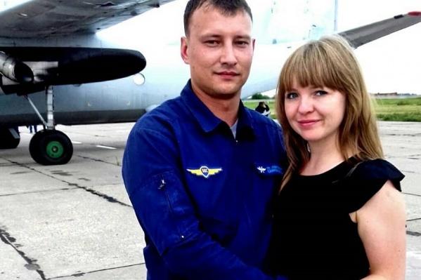 У Дениса Сафронова осталась жена и двухлетний ребёнок